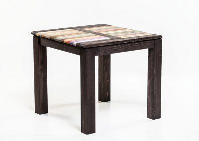 szines-koktel-garnitura-asztal